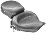 WIDE SUPER TOURING ONE-PIECE VINTAGE SEAT - CHROME STUDS