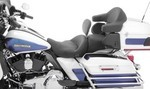 1-PIECE HEATED SUPER TOURING SEAT WITH DRIVER BACKREST - BLACK PEARL CENTERED STUDS